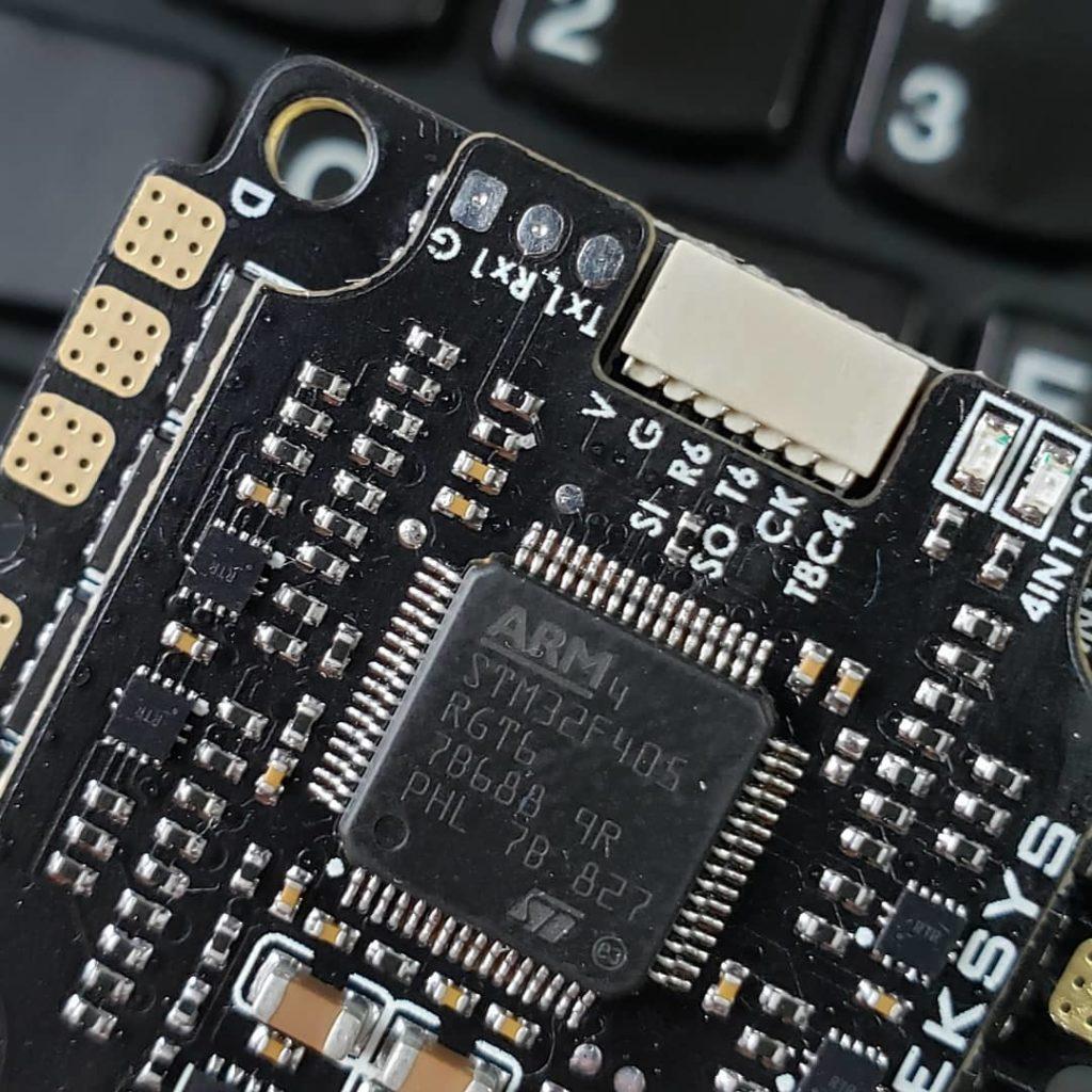 Matek 4-in-1 ESC mit SerialShot