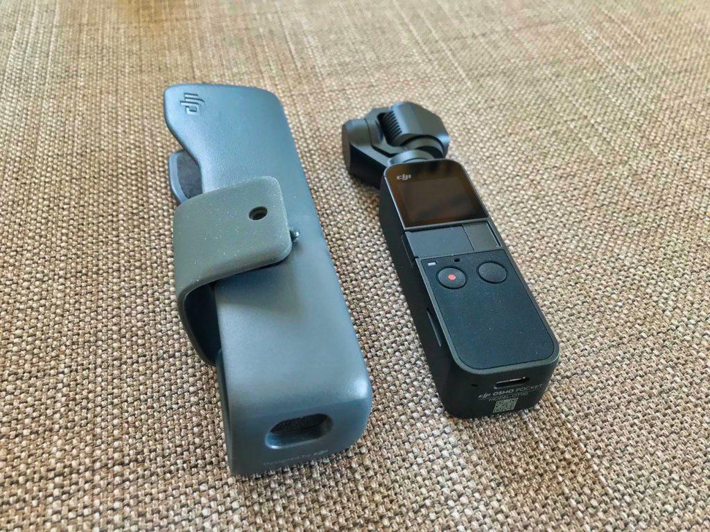 DJI Osmo Pocket - Kamera neben Transporthülle
