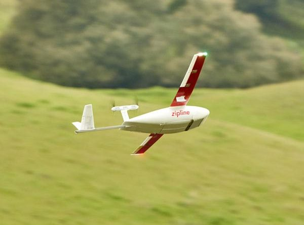 Zipline Drohne im Flug