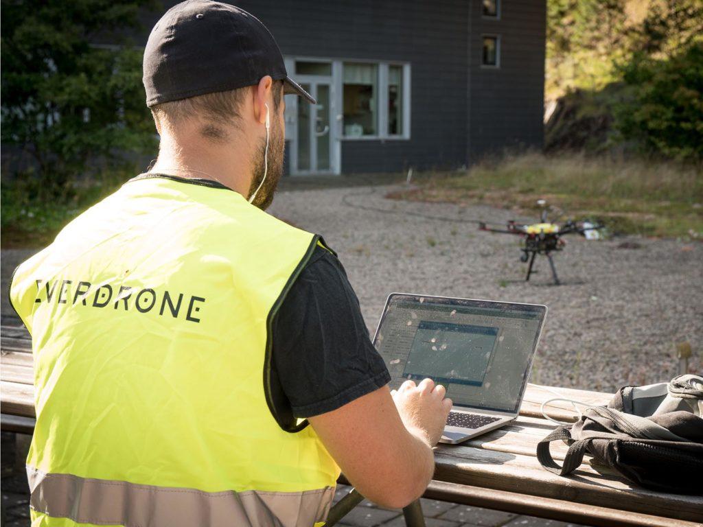 Everdrone Testdrohne mit GPS-loser Navigation Telemetrie