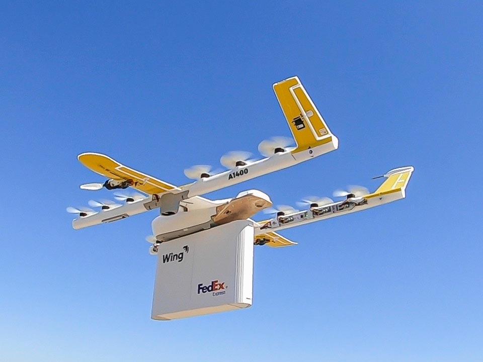 Wing Aviation Drohne mit FedEx Lieferung