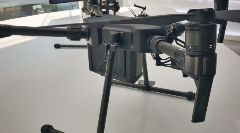 Matrice M200 Drohne von der Seite