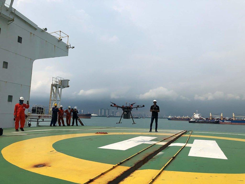 F-Drone Drohnenlieferung an Schiffe in Singapur