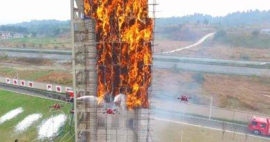 Hochhausbrand in China wirde mit Spezialdrohnen gelöscht