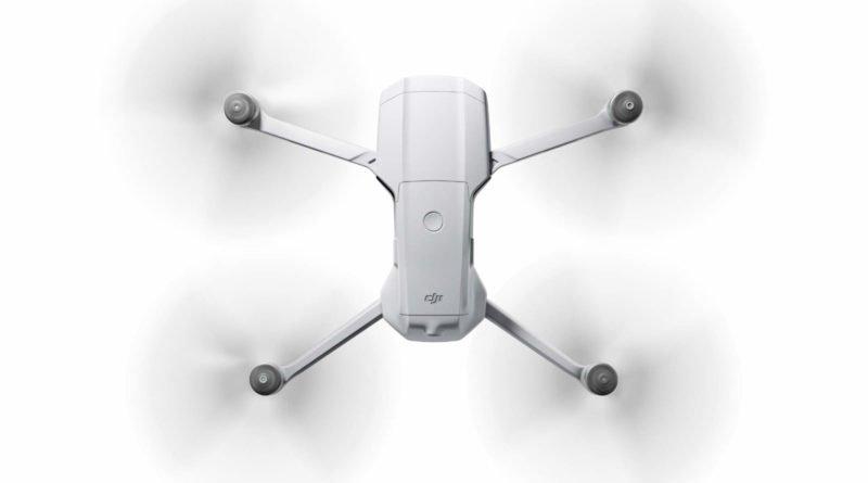 Mavic Air 2 Drohne im Flug von oben