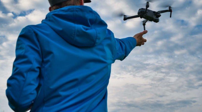 Mavic 2 Drohne wird im Flug gefangen