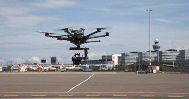 DJI M600 Drohne auf dem Schipol Gelände