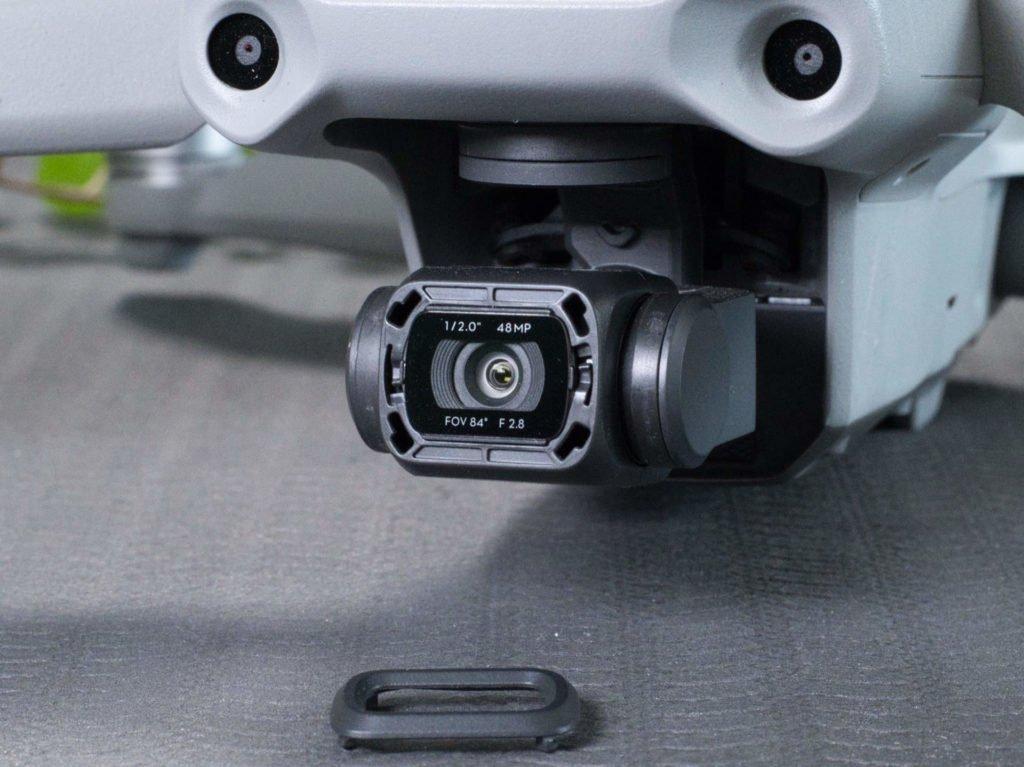 Nahaufnahme der Drohnenkamera ohne Filter