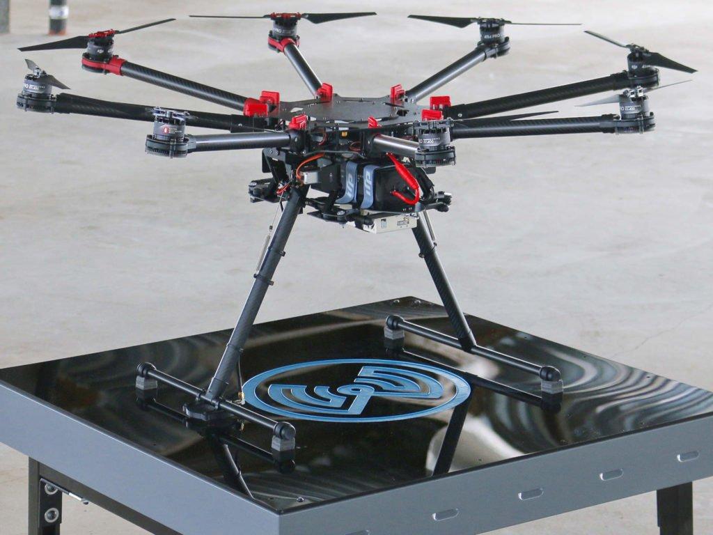 WiBotic Wireless Drohnen Ladegerät mit DJI S1000 UAV