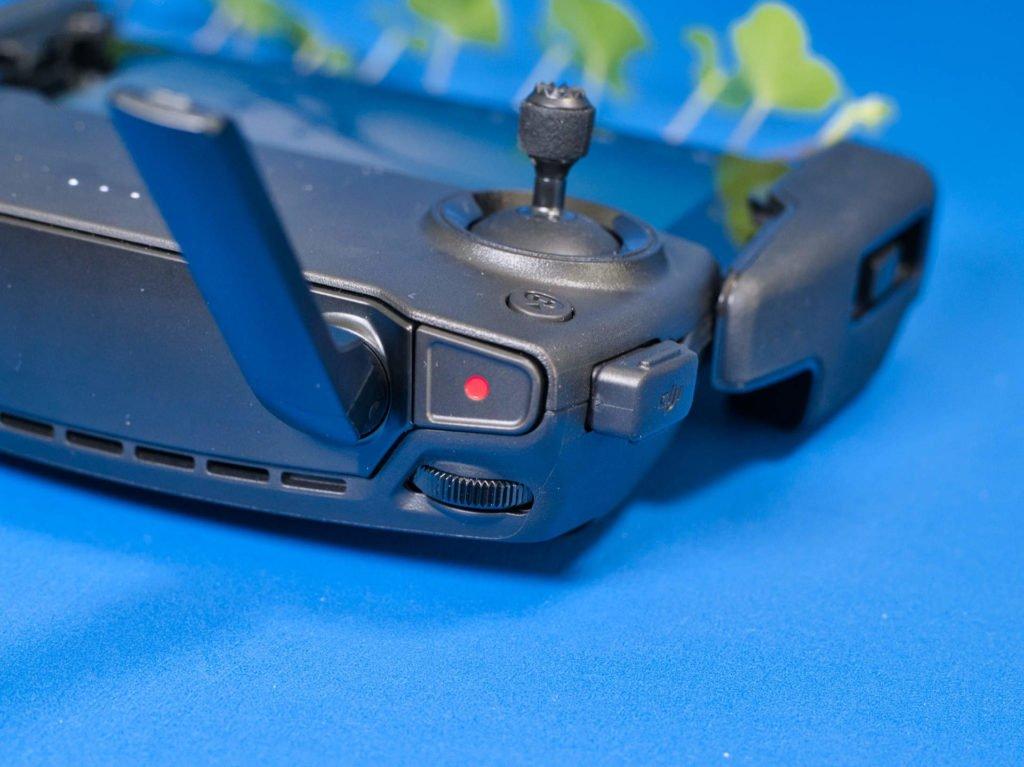 Aufnahmeknopf und Einstellrad am Controller