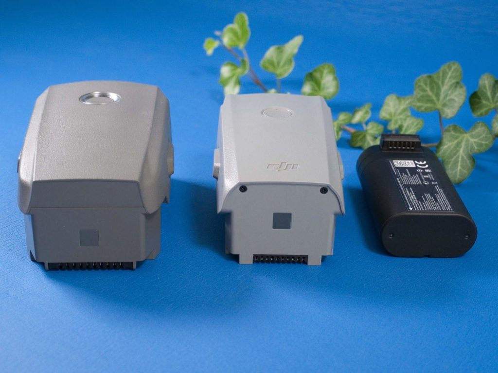 Größenvergleich der Flugakkus von Mavic 2 Pro, Mavic Air 2 und Mavic Mini