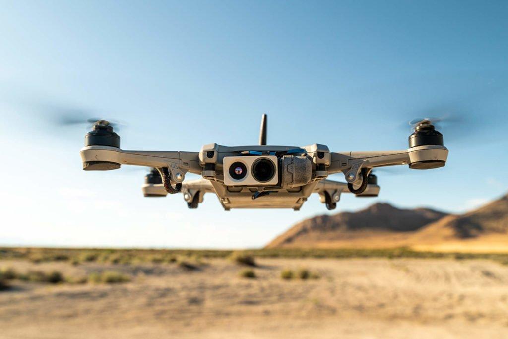 Teal Golden Eagle Drohne im Flug