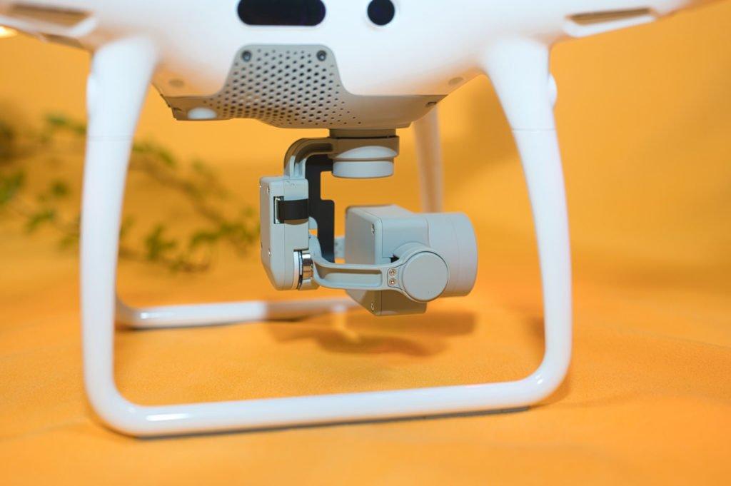 Das Gimbal der Phantom 4 Pro V2.0 trägt die Kamera