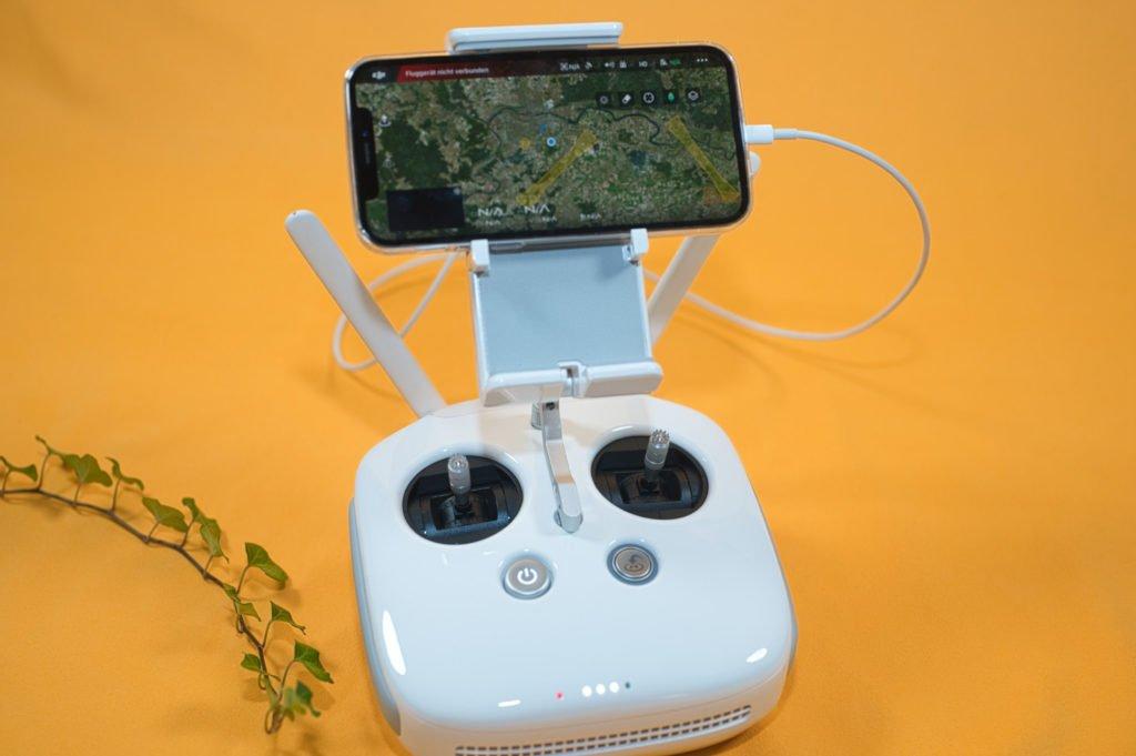 Der P4P V2.0 Controller mit dem iPhone 12 Pro