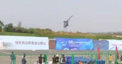 Helikopter-Drohne kurz vor dem Crash