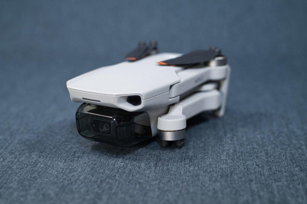 Mini 2 Drohne zusammengeklappt von mit Cover