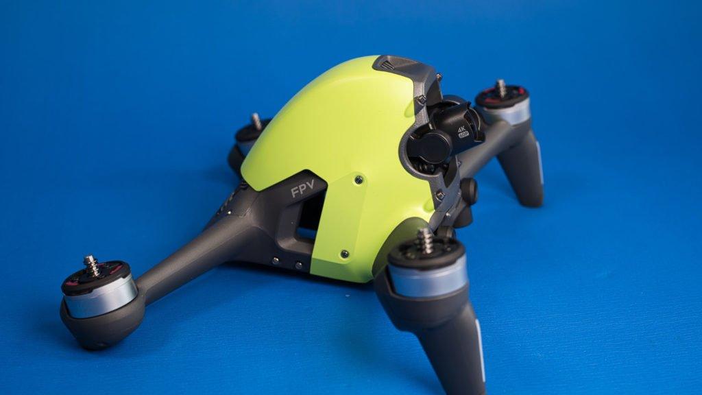 DJI FPV Drohne mit grünem Cover