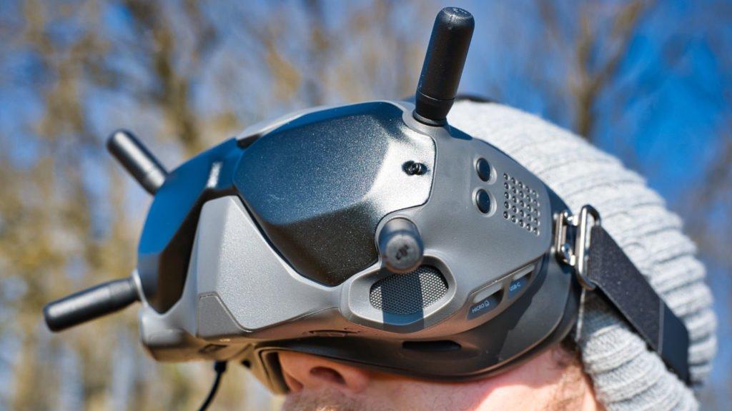 Die neuen DJI FPV Goggles V2 auf dem Kopf