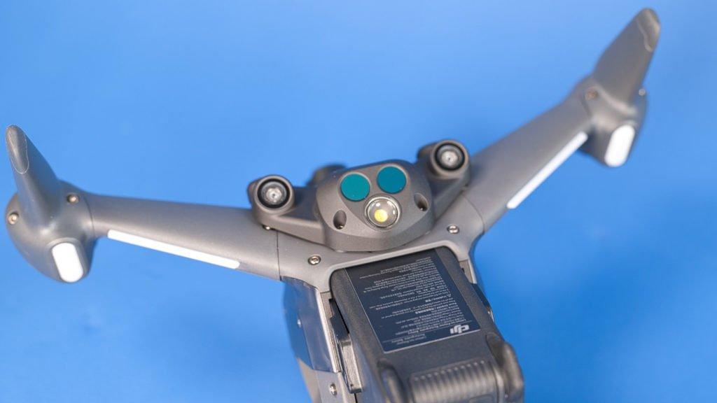IR- und Kamerasensoren an der Unterseite
