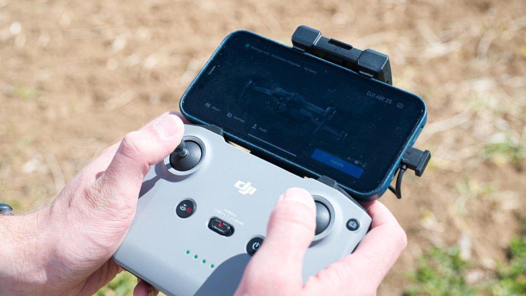 Die Fly App bringt auch die DJI Air 2S in die Luft