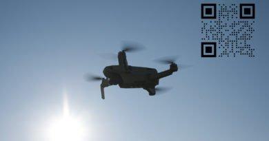 Drohne mit QR Code Teaser