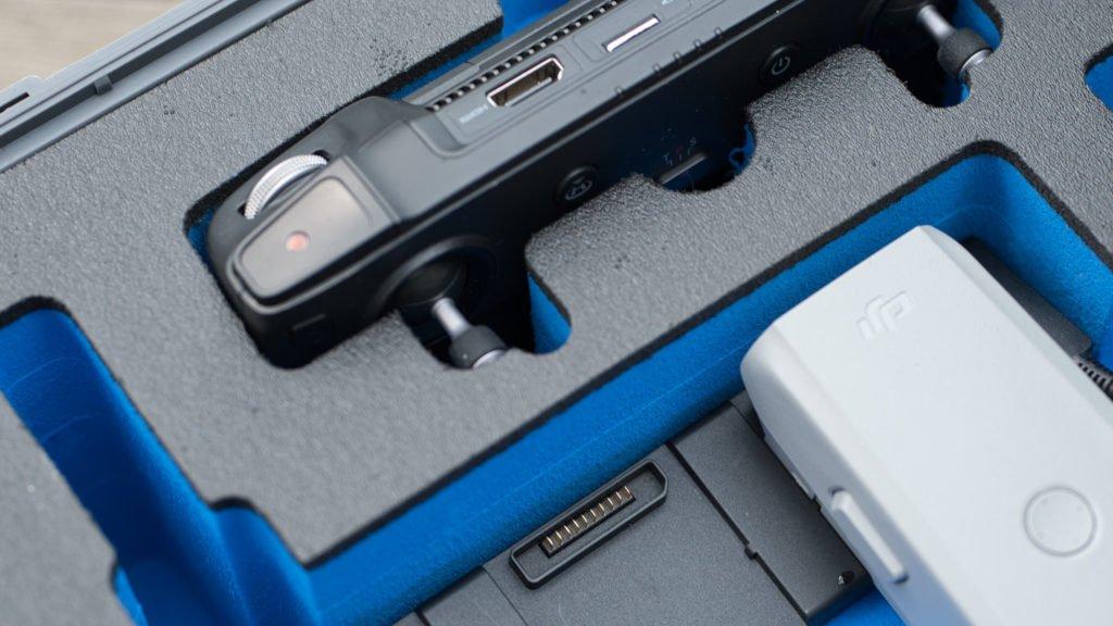Der Smart Controller passt mit montierten Knüppel in den Type 4000 Koffer