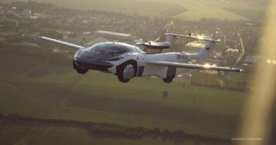 Klein Vision AirCar in der Luft