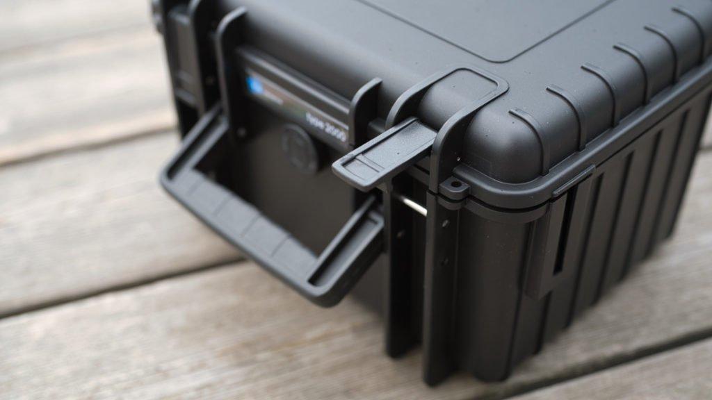 Stabile Verschlüsse gehören auch beim kleinen Type 2000 Koffer dazu